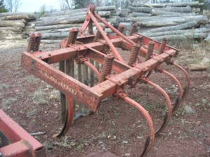 Used 9' Massy Ferguson Chisel Plow