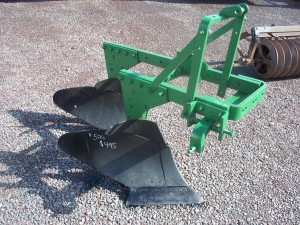 Used John Deere 2 Bottom Plow w/o coulters