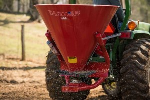 Tarter Fertilizer Spreaders / Seeder - Metal Tub